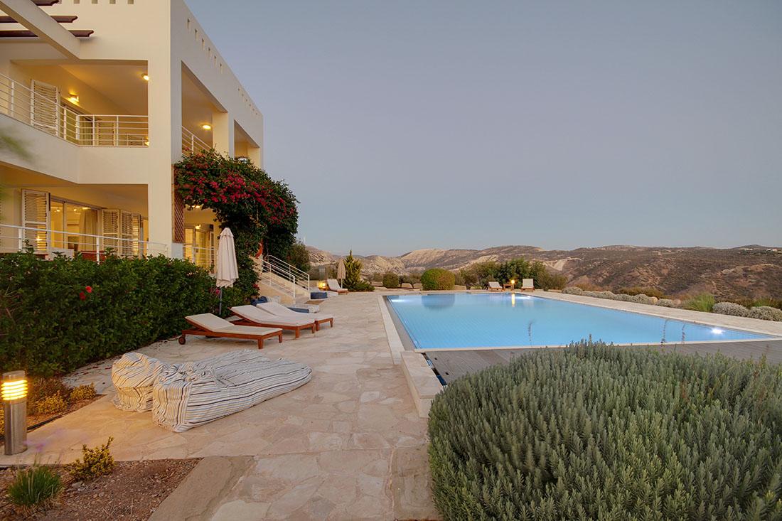Villa Grande   Holiday Rentals Villas, Apartments, Townhouses in ...